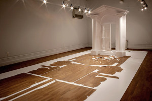 Peter Callesen, On the other side, 2006, Wedgewood Commission, Nottingham Castle, UK. 4,60 x 10 x 3,75 m