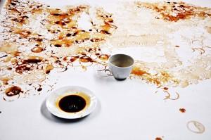 Red Hong Yi, particolare tecnica fondi di tazzine sporchi di caffè