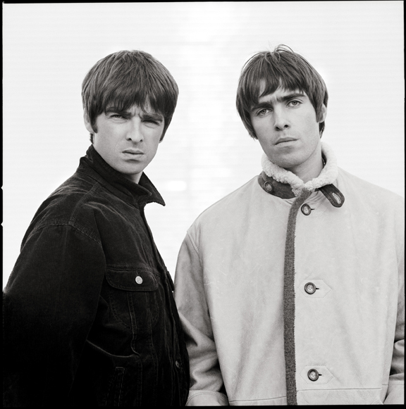 Liam and Noel by Jill Furmanovsky