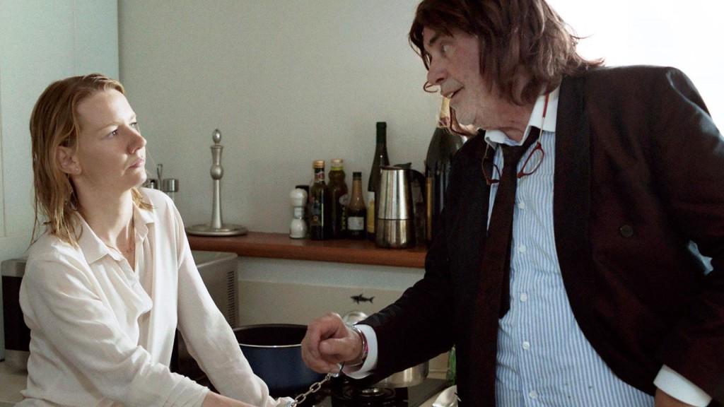 Toni Erdmann, terzo lungometraggio della tedesca Maren Ade, da molti ritenuto il miglior film del 2016. E' uscito in Italia ad inizio marzo