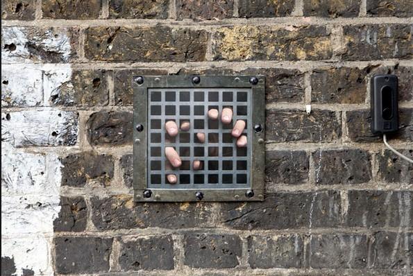 Witz-Prisoners- Installazione in strada