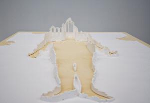 Peter Callese, Human Ruin, 2008, carta e colla, 256,5 x 144,5 x 25 cm