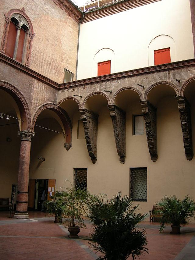 Museo_civico_medievale_Bologna_cortile