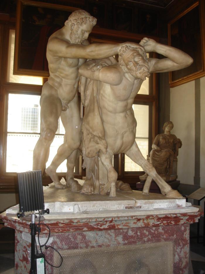 Restauro Ercole e il centauro