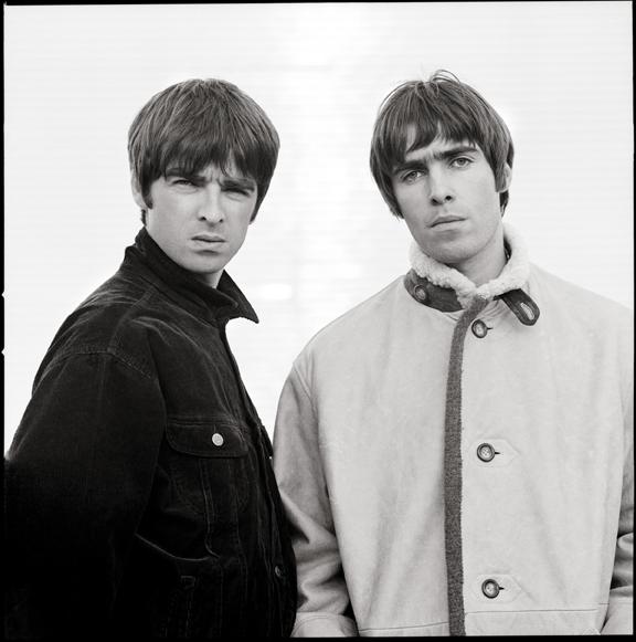 Liam and Noel by Jill Furmanovsky