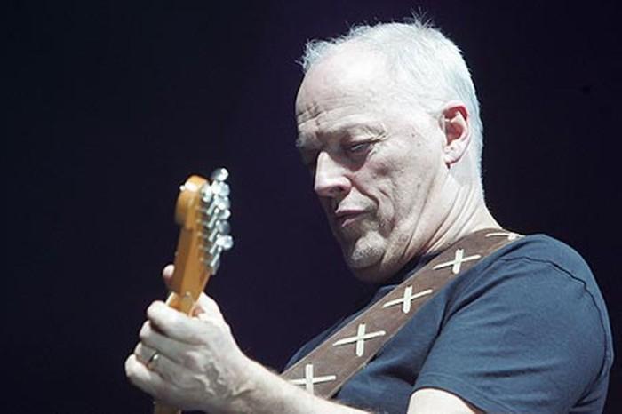 David Gilmour, cantante e chitarrista dei Pink Floyd, ha annunciato che sarà in tour in UK ed Europa