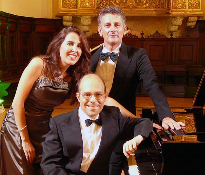 Trio Opera Viwa