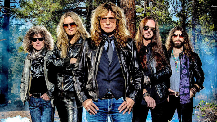 Whitesnake hard rock band inglese
