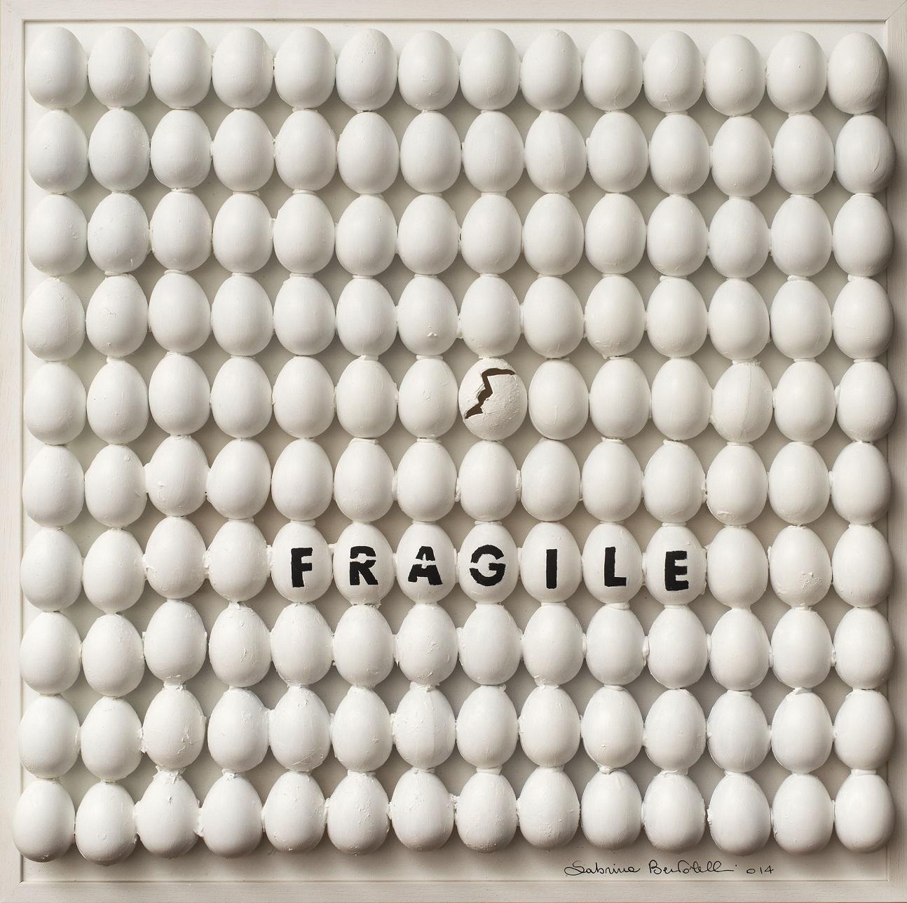 Sabrina Bertolelli, Uova fragile, tecnica mista su tela, 60x60cm, 2014