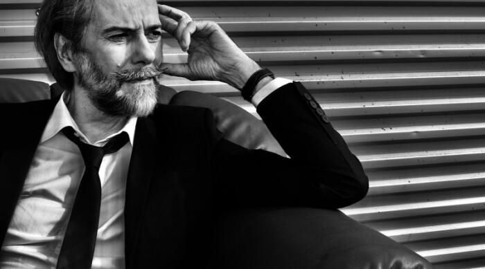 """AndreaChimenti E' uscito il singolo di Andrea Chimenti 'Milioni',feat. David Jackson dei Van Der Graaf Generator, tratto dal decimo album in studio """"Il Deserto La Notte Il Mare"""" (Vrec Music Label), in uscita il 5 novembre"""