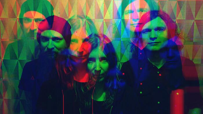 Slowshine, ascolta il singolo Brittle Bones tratto dal debut album Living Light in uscita il prossimo 8 ottobre